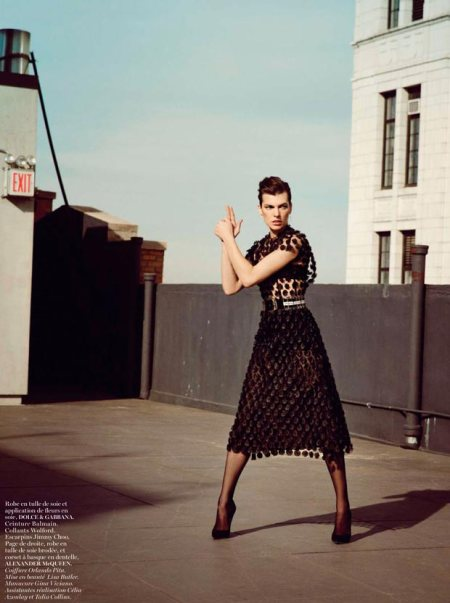 MILLA JOVOVICH VOGUE PARIS FEBRUARY 2013 (4)