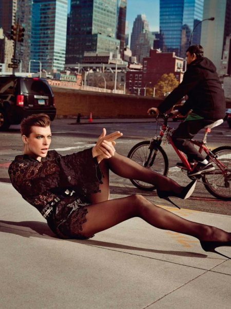 MILLA JOVOVICH VOGUE PARIS FEBRUARY 2013 (7)