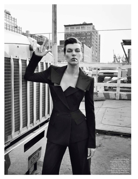 MILLA JOVOVICH VOGUE PARIS FEBRUARY 2013 (8)