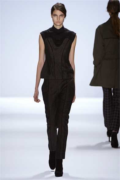 RICHARD CHAI FW 2013 COLLECTION (1)