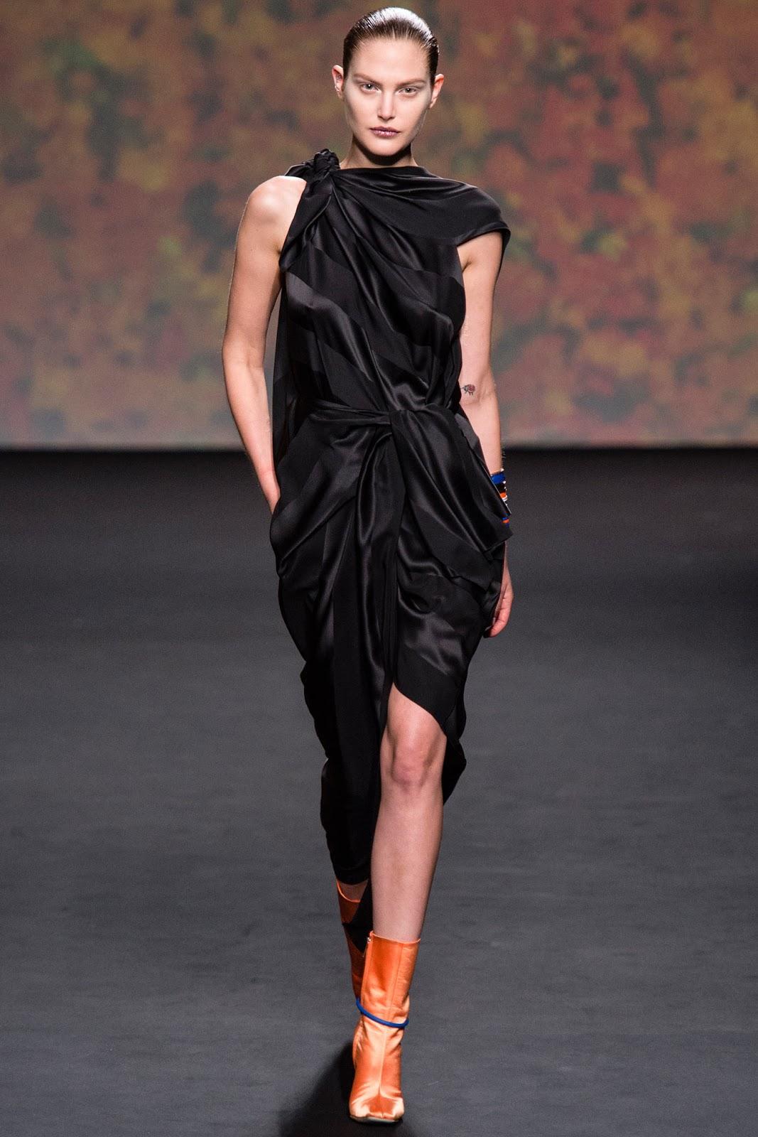 CHRISTIAN DIOR HAUTE COUTURE FALL WINTER 2014 (18)  Christian Dior Haute Couture 2014